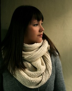 Big Herringbone Cowl 3