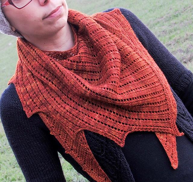 strikket sjal på store pinde